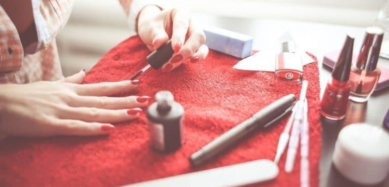 Comment Réaliser Une Manucure Semi-Permanente Chez Soi ?