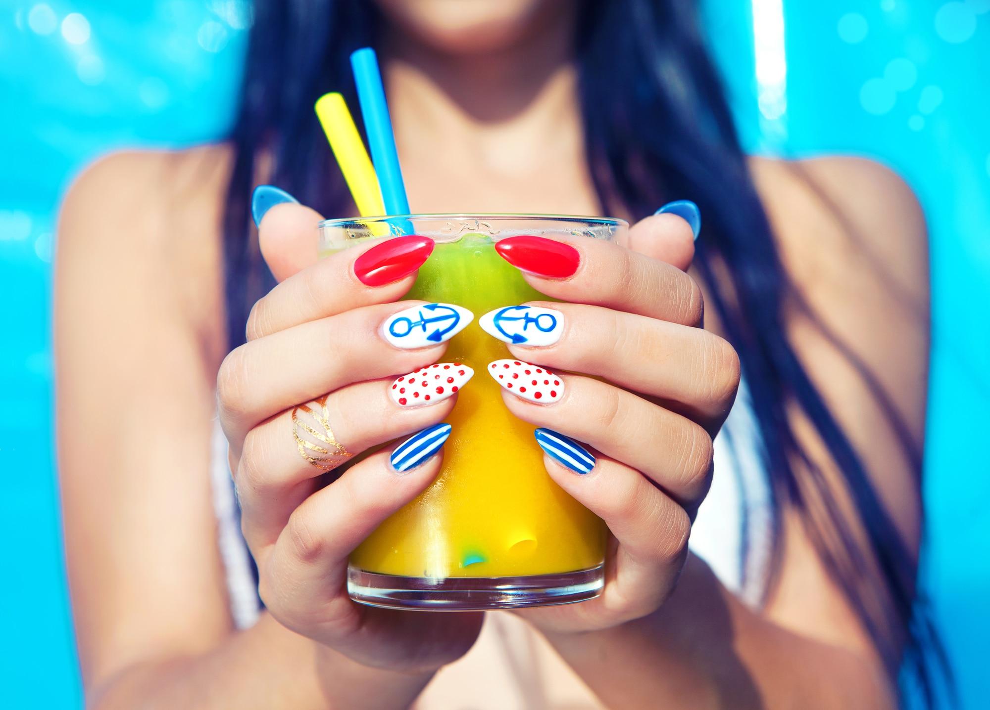 le pochoir pour ongle nail art